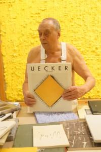 Günther Uecker, Aufbau