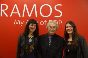 Mel Ramos mit Janine Wötzel und Yvonne van Acht, Künstlerin