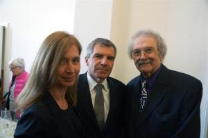 Mel Ramos mit Gabriele Demmel und Hans Demmel, Geschäftsführer n-tv