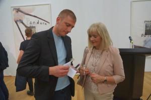 Künstler Thomas Champan und Kulturdezernentin PD Margit Theis-Scholz