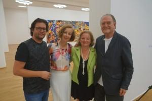 v.l.n.r. Dirk Geuer, Prof. Dr. Beate Reifenscheid, Sophie Laszlo, Erró