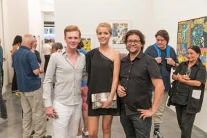 Erró Ausstellungseröffnung in der Galerie Geuer & Geuer Art - Leon Löwentraut mit Begleitung und Galerist Dirk Geuer - Copyright Uli Engers