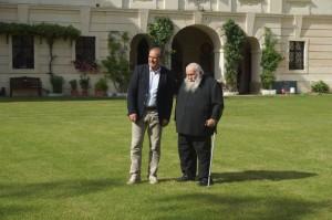 Hermann Nitsch und Wolfram Kons im Schlossgarten