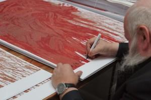 Zwei neue Grafiken werden von Hermann Nitsch signiert