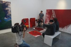 RTL West zu Besuch bei der gemeinsamen Hängung mit Hermann Nitsch
